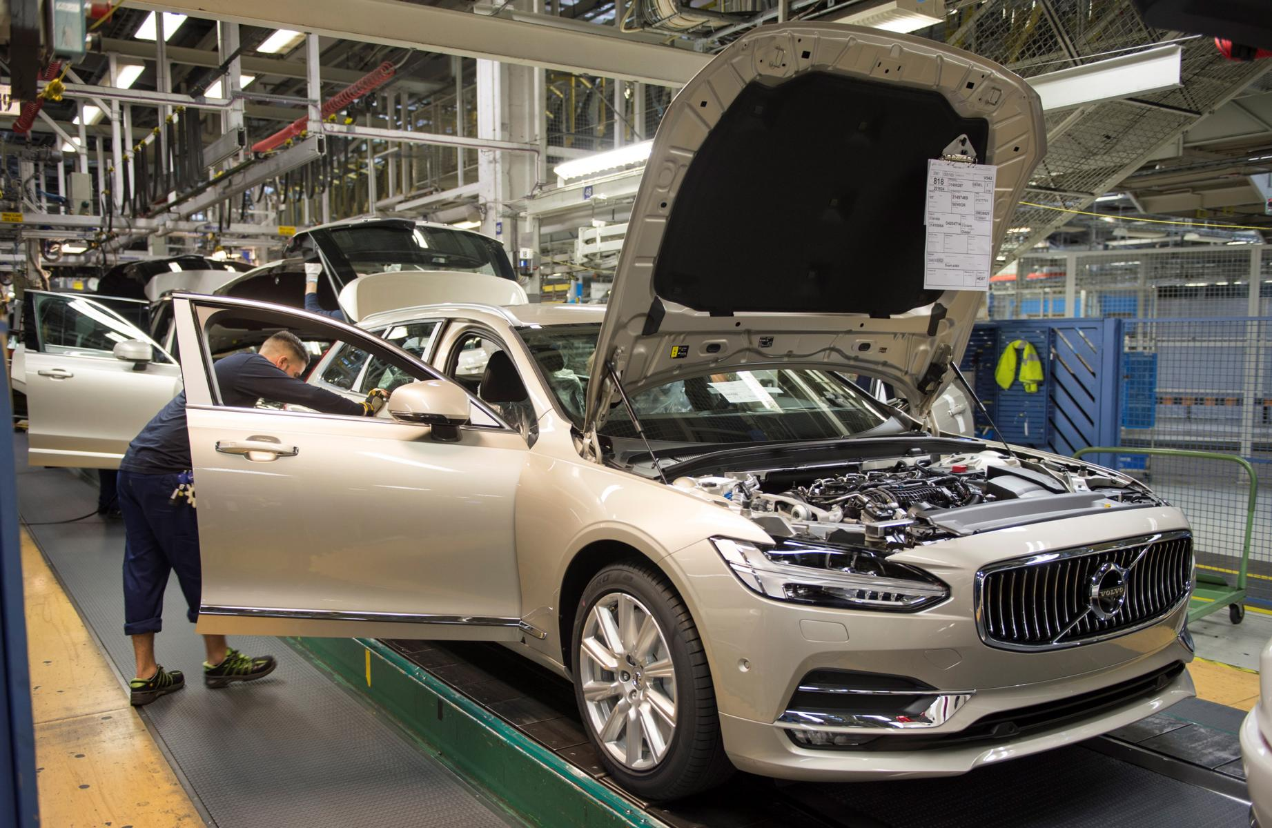 K1600 193267 Start of production of new Volvo V90 premium estate