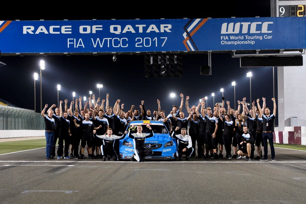 217410 Thed Bj rk and Polestar Cyan Racing crowned World Champions