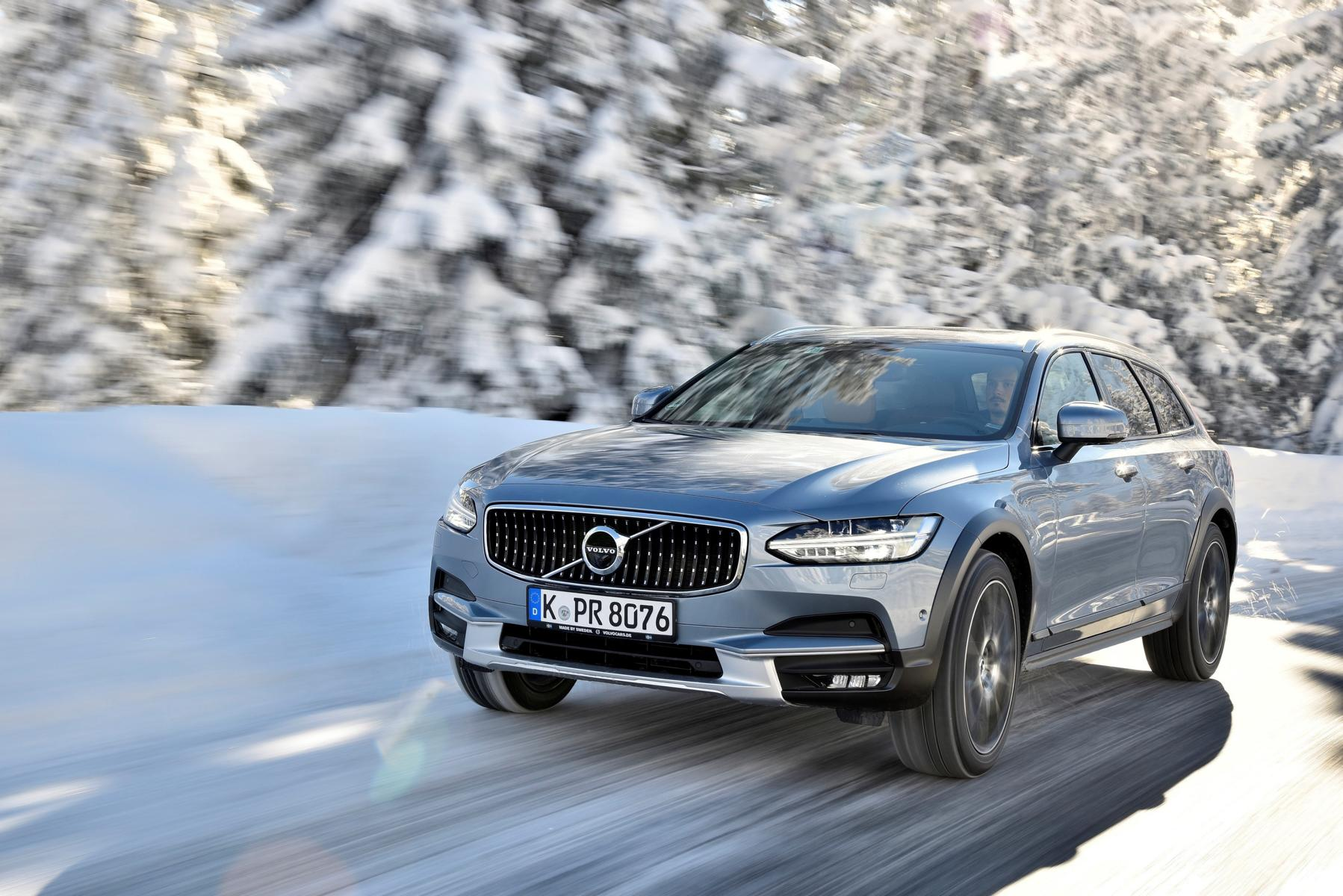 203545 Volvo V90 Cross Country