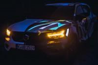 234261 Graffiti K nstler Ren Turrek verwandelt neuen Volvo XC40 in audiovisuelles