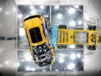 K1600 213031 Volvo XC40 Crashtest Seitenaufprall von oben