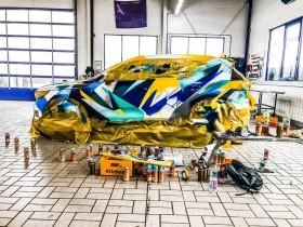 234257 Graffiti K nstler Ren Turrek verwandelt neuen Volvo XC40 in audiovisuelles