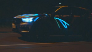 234253 Graffiti K nstler Ren Turrek verwandelt neuen Volvo XC40 in audiovisuelles