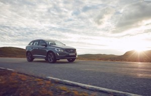K1600 201094 Volvo XC60 front 3 4 driving