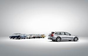 173848 Volvo V90 vor einem Line up historischer Volvo Kombi Modelle