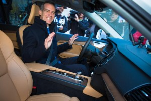 K1600 169523 Semi autonomous Volvo XC90 drives Los Angeles Mayor Eric Garcetti to