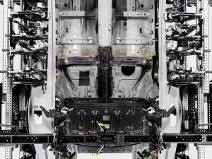 231160 Karbonfaser spielt tragende Rolle im Polestar 1