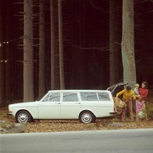 K1600 5906 Volvo 145 1970