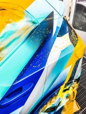234255 Graffiti K nstler Ren Turrek verwandelt neuen Volvo XC40 in audiovisuelles