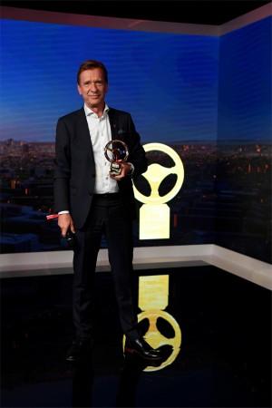 K1600 216583 Goldenes Ehrenlenkrad f r Volvo Pr sident und CEO H kan Samuelsson