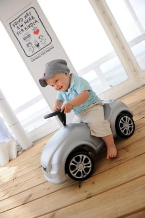 K1600 136577 Volvo hat ein Herz f r Kinder