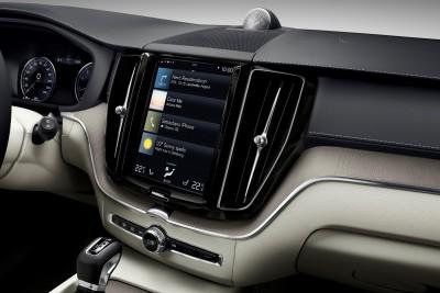K1600 205054 The new Volvo XC60 Sensus centre display updates