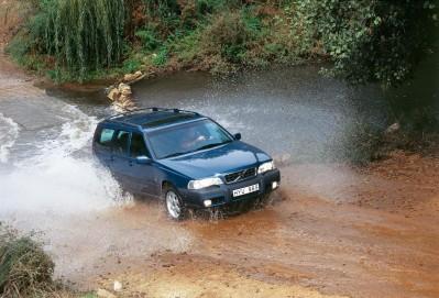 K1600 61062 Volvo V70 XC 1998